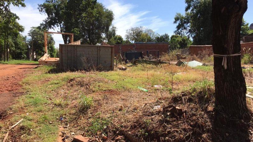 Terrenos abandonados y peligro de dengue