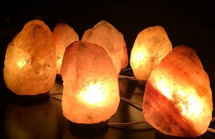 Conocé los beneficios de tener lámparas de sal en casa