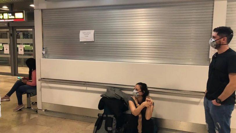 Quedó varada y hace más de un mes no puede ver a sus hijos