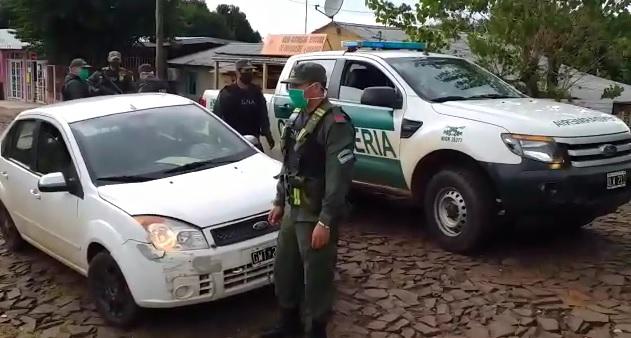 Gendarmería interceptó un remise repleto de cogollos de marihuana