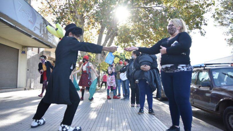 Covid-19: artistas realizan intervenciones para crear conciencia en Santa Fe