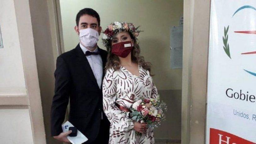 Se realizó el primer casamiento por videollamada