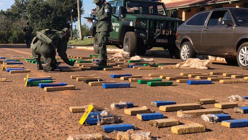 Incautan 150 kilos de marihuana que fueron abandonados en un auto