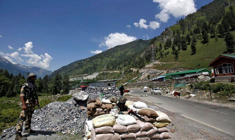 Tras enfrentamiento militar, India y China buscan bajar la tensión