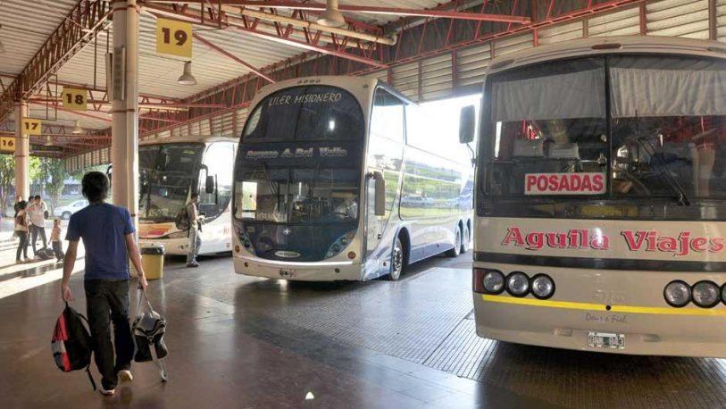 Empresas piden que la tarifa de transporte suba un 50% y las compensaciones un 100%
