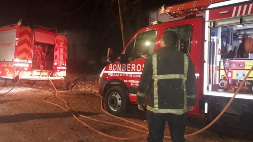 Incendio causó importantes daños en una carpintería