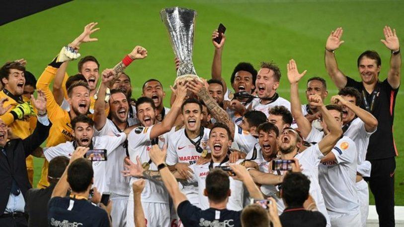 Ocampos campeón de la Europa League con el Sevilla