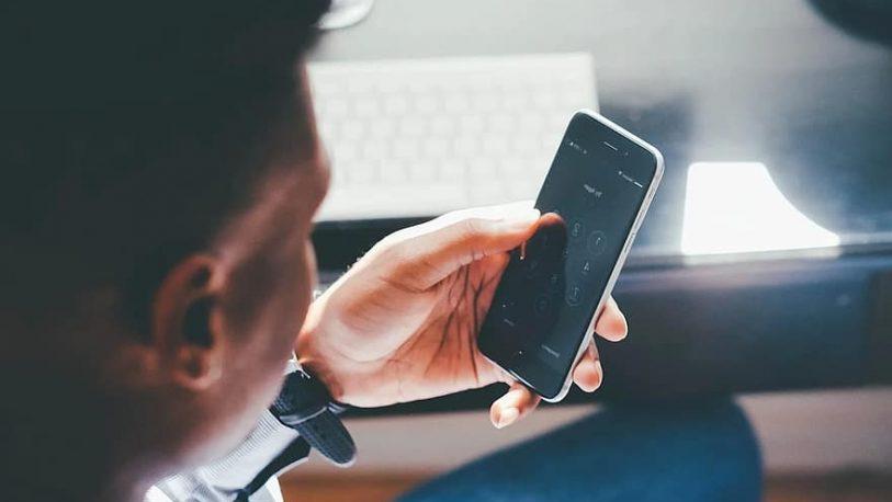 Cómo ponerle contraseña a tus chats de WhatsApp para evitar que los lean