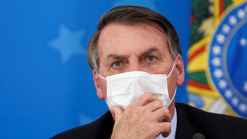 """Jair Bolsonaro dijo que """"los argentinos están escapando hacia Brasil"""""""
