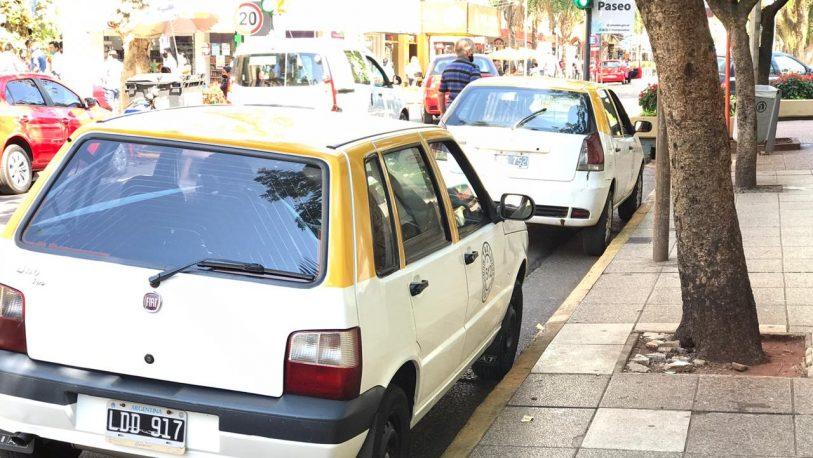 Concejales de Posadas aprobaron un 37% de aumento del servicio de taxis