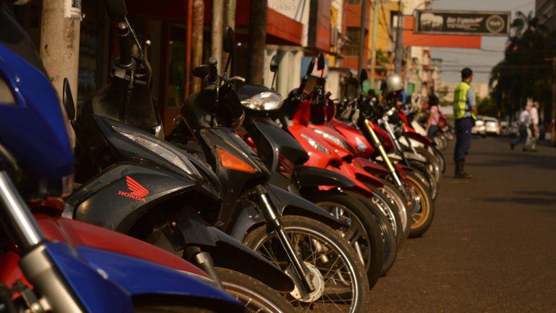 Regirán nuevas reglas para la transferencia de autos y motos