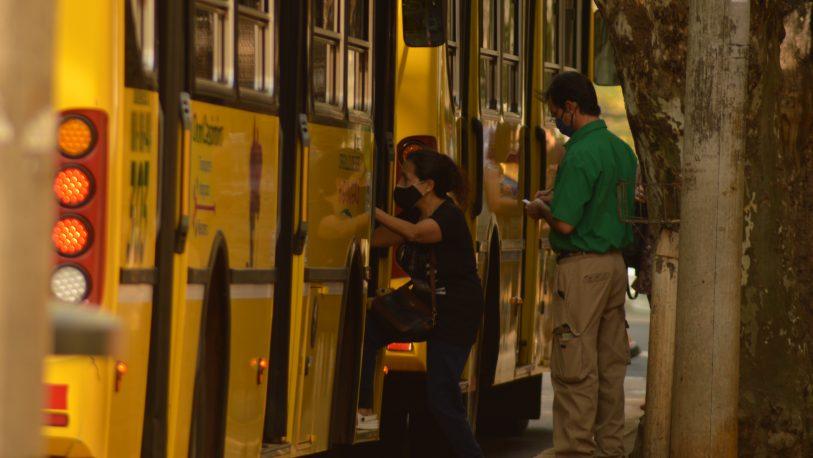 Continúan las quejas de los usuarios de transporte: aglomeración y reducción de frecuencias