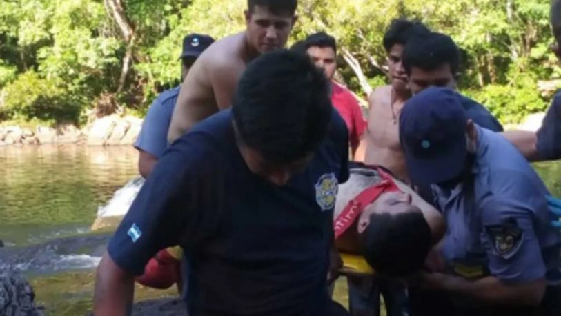 Rescataron a dos jóvenes en aguas del Tabay