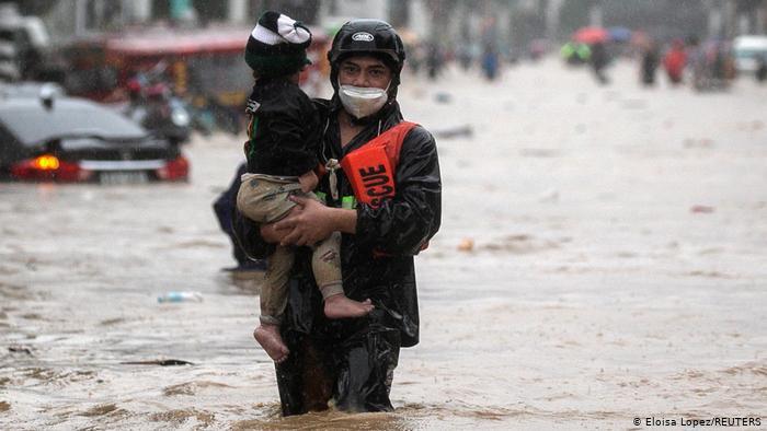 Filipinas: unos 39 muertos y 22 desaparecidos deja tifón Vamco