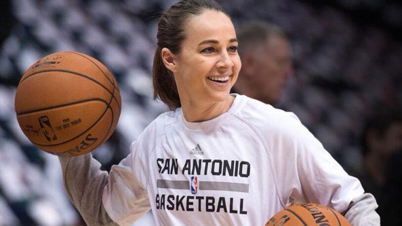 Becky Hammon, la primera mujer en dirigir a en la NBA