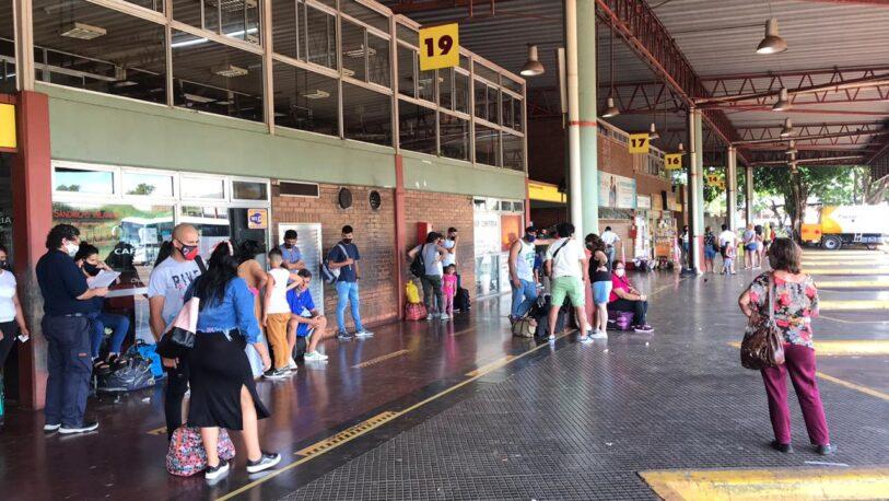 Parcial movimiento de pasajeros en la Terminal de Ómnibus de Posadas