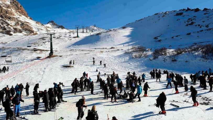 Las provincias podrán evaluar habilitar los viajes de egresados a partir de octubre