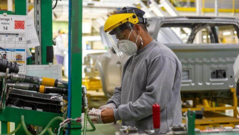 El empleo asalariado registrado creció por primera vez durante la pandemia
