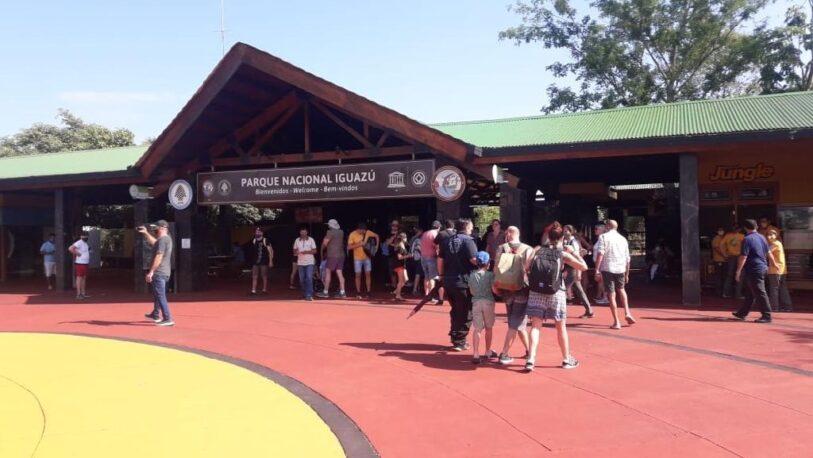 Cataratas empezó a recibir a turistas nacionales
