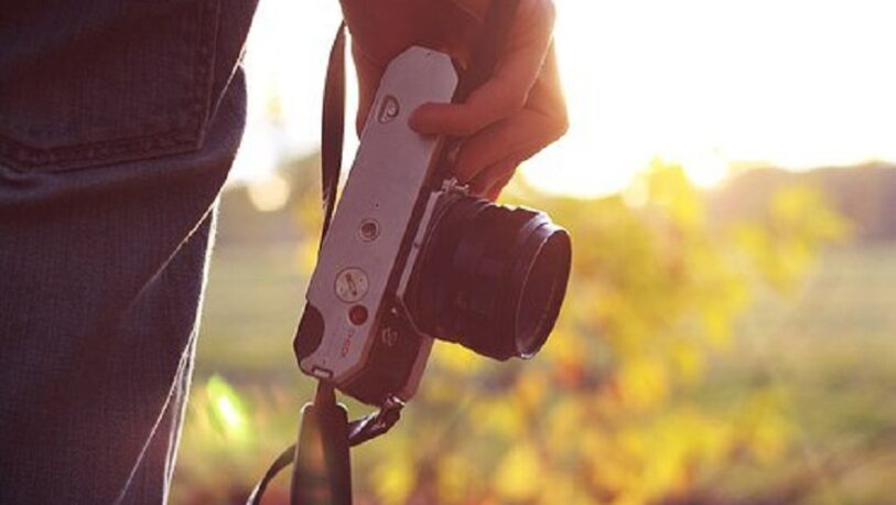 Solidaridad con fotógrafo misionero a quien le quitaron su herramienta de trabajo