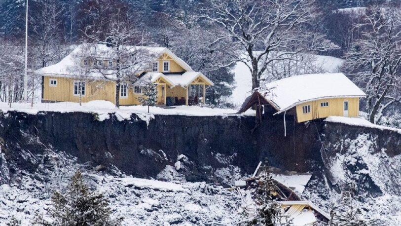 Hallan un quinto cuerpo tras un deslizamiento de tierra en Noruega