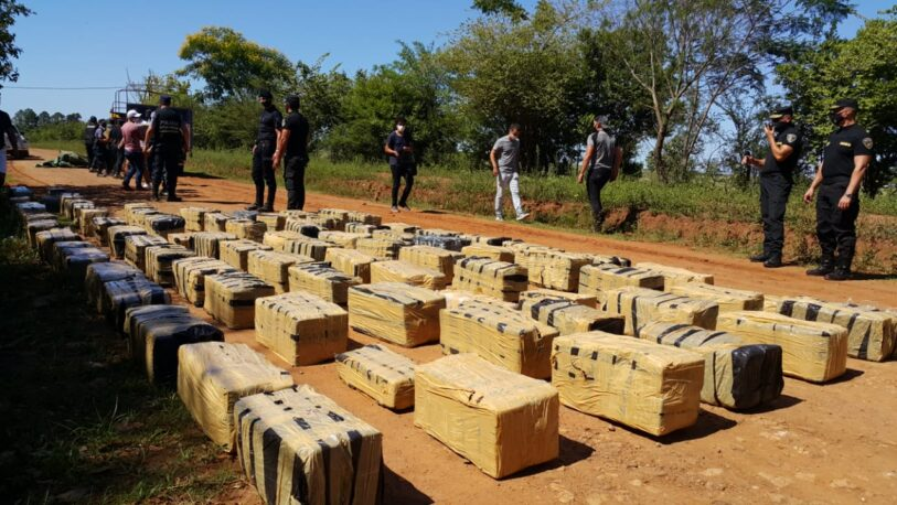Golpe al narcotráfico: interceptaron camión con 166 bultos de marihuana