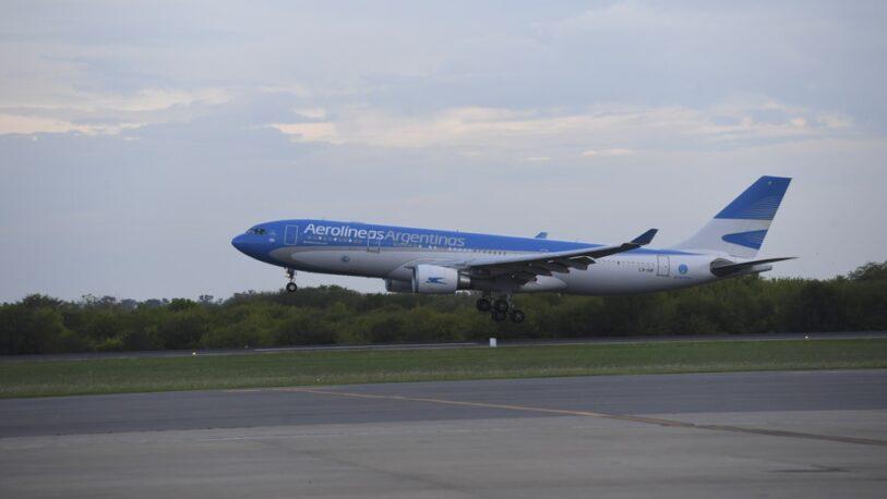 Arribó el avión de Aerolíneas Argentinas procedente de Moscú con una nueva partida de vacunas