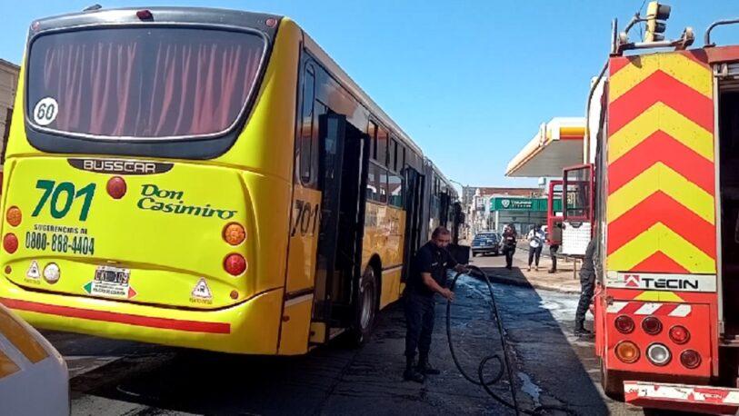 Principio de incendio en un colectivo urbano en Posadas