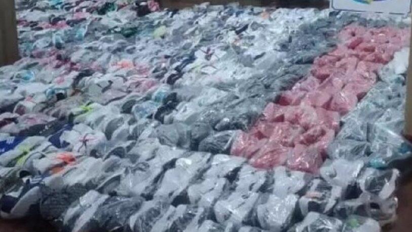 Puerto Iguazú: confiscaron más de 350 pares de zapatillas de contrabando