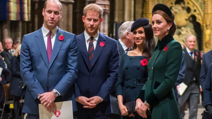 """El príncipe Guillermo negó que la familia real británica sea """"racista"""""""