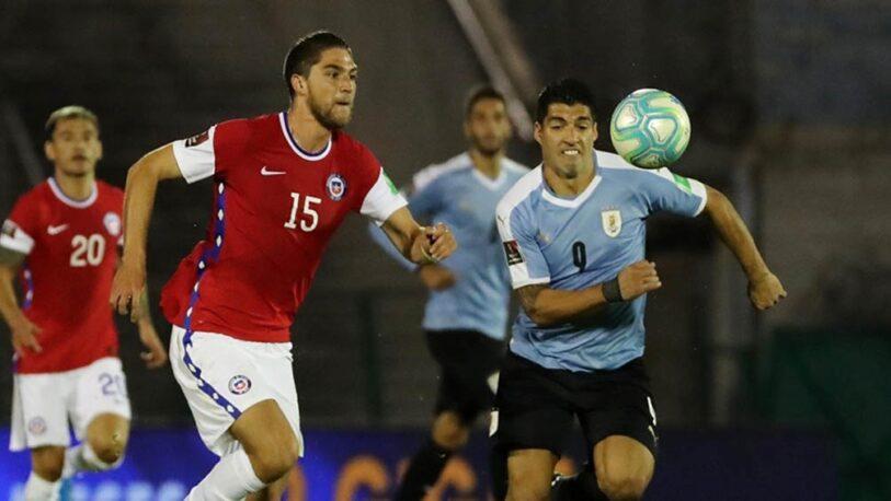 Tras la polémica, Chile juega ante Uruguay por el pase a la ronda final