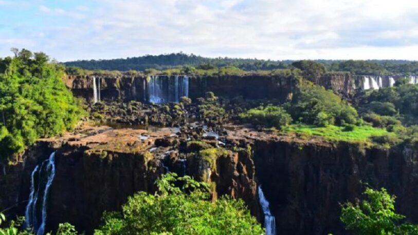 Las Cataratas del Iguazú con poco caudal de agua
