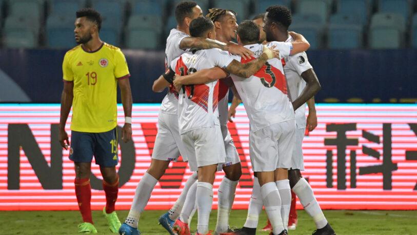 Perú venció a Colombia y está tercero en el Grupo B