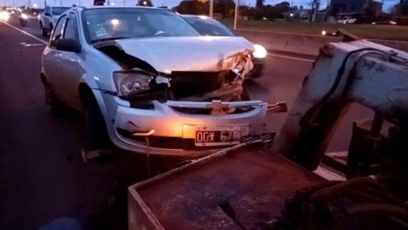 Despistó un auto en el Acceso Sur