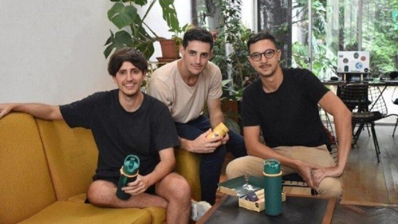 Tres amigos crearon un mate sin bombilla que es un éxito en el mundo