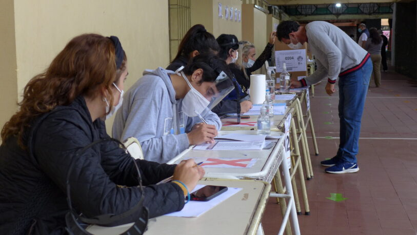 El martes comienza el pago a las autoridades de mesa de las elecciones de junio