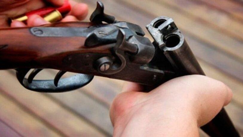Investigan ataque con una escopeta a dos hombres en el barrio Villa Cristen