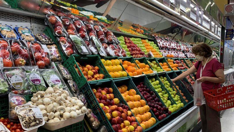 Inflación: los alimentos en la Argentina subieron diez veces más que en los países de la región