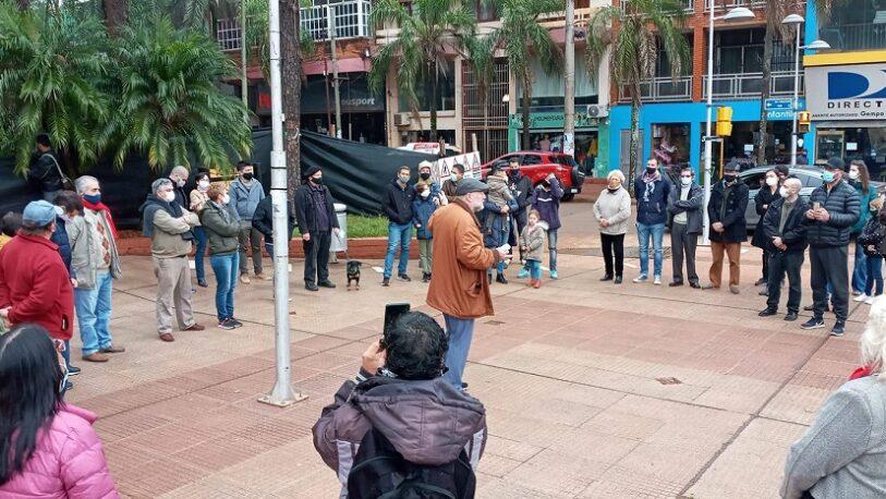 Vecinos de Oberá se manifestaron en defensa de los pinos