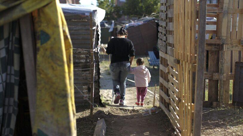 La mitad de las familias argentinas vive con menos de 60 mil pesos por mes