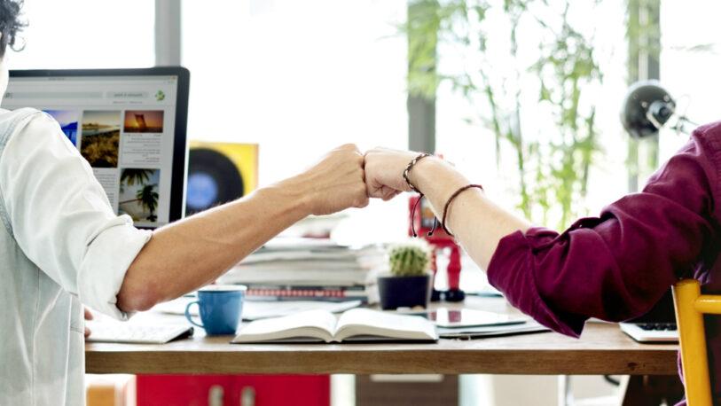 Ventajas y desventajas de la amistad en el trabajo