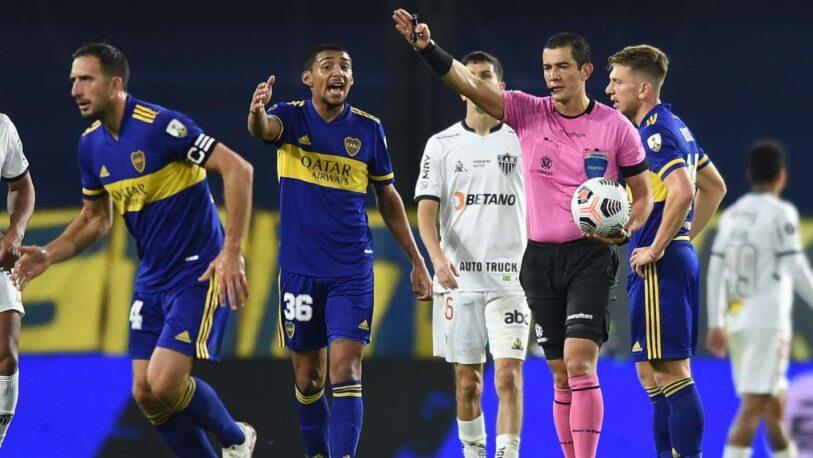 Pararon a los árbitros que anularon el gol de Boca