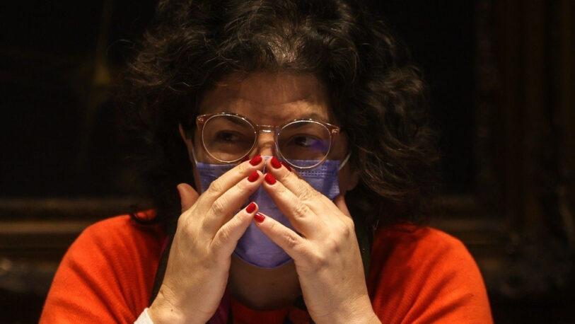 Carla Vizzotti rompió el silencio tras la polémica compra de 10 mil penes de madera