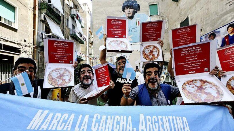 En Italia marchan por el cambio climático con máscaras de Diego Maradona