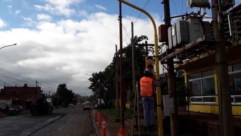 Manos únicas: Se instalaron 16 semáforos en cruces de avenidas