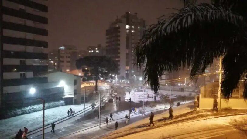 Una nevada histórica sorprendió al sur de Brasil