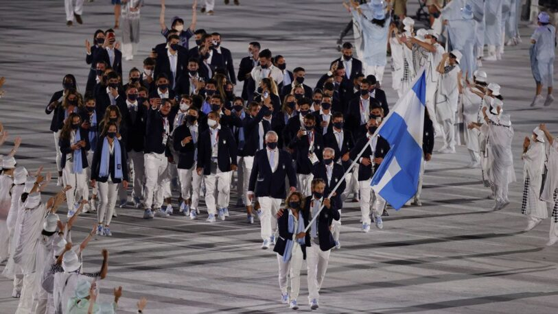 """Tokio 2020: con emoción y """"Pogo"""" incluido, la delegación argentina ingresó a la ceremonia inaugural"""