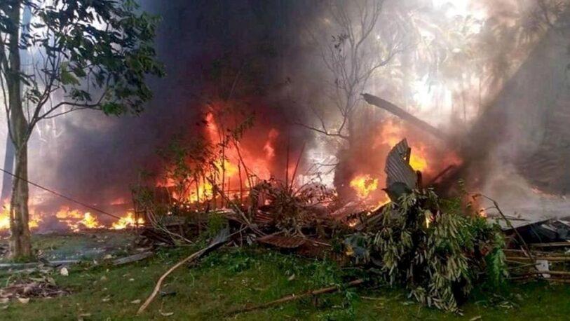 Al menos 29 muertos al estrellarse un avión militar