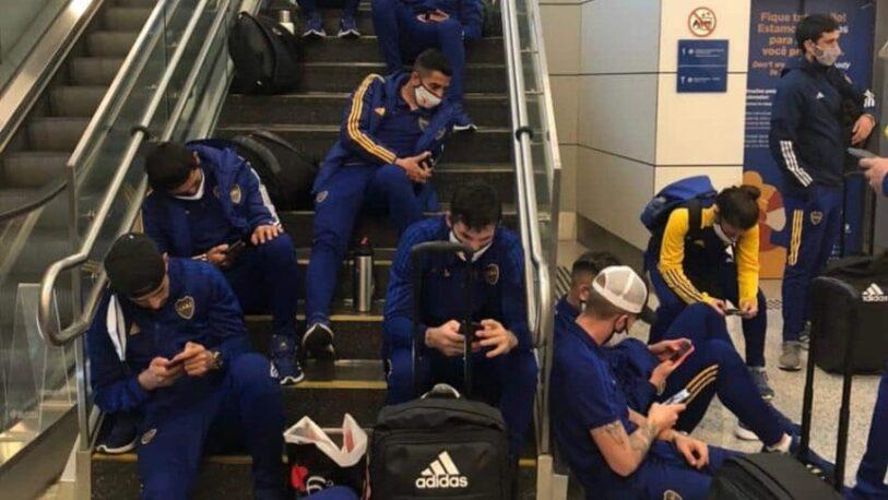 Boca, retenido casi dos horas en su llegada a Brasil