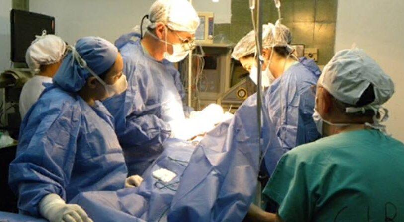 Por la pandemia del coronavirus, las cirugías reparadoras pasaron de 190 a 130 mensuales